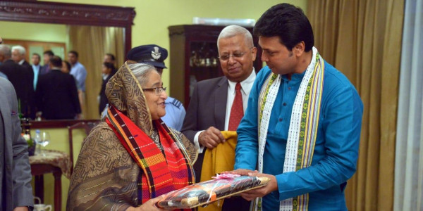Tripura CM Biplab Kumar Deb Raises Northeast Issues with Bangladesh PM