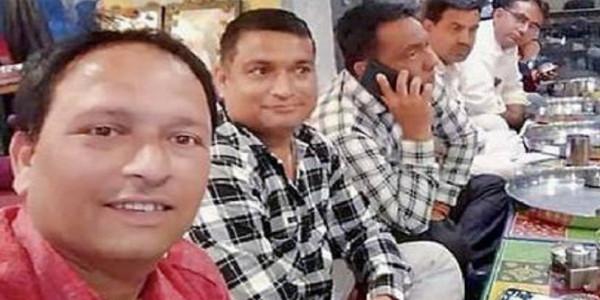 भाजपा-कांग्रेस को सभापति चुनाव में क्रॉस वोटिंग का डर प्रत्याशियों को बाड़ाबंदी कर बाहर भेजा, 8 दिन बाद लौटेंगे