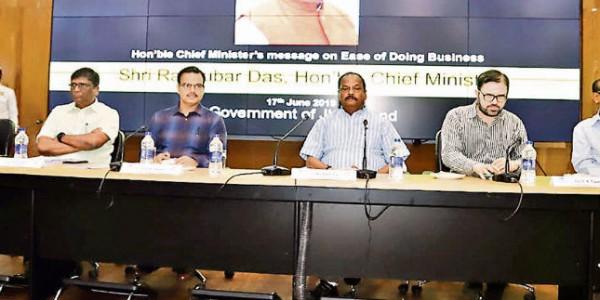 ईज ऑफ डूइंग बिजनेस में झारखंड को नंबर-वन राज्य बनायें : रघुवर दास