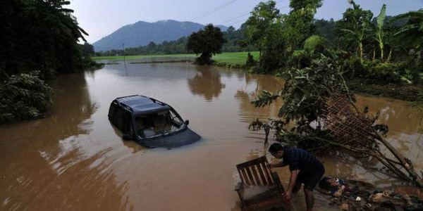 Meghalaya seeks 80 cr from Centre for flood damage