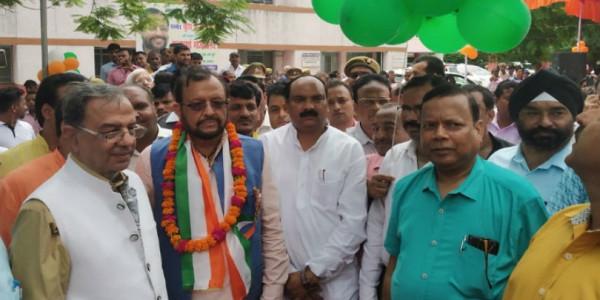 कैबिनेट मंत्री सुरेश खन्ना ने कहा- कांग्रेस को खत्म करने की दिशा में आगे बढ़ रहे राहुल गांधी