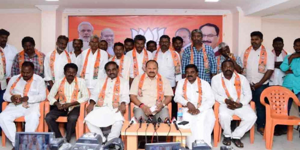 Kanna criticises YSRCP govt for repeating mistakes of TDP
