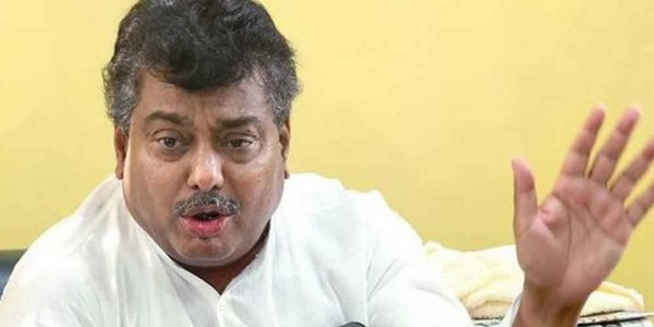 Siddaramaiah downplays remarks of aides battling for me : Home Minister M.B. Patil