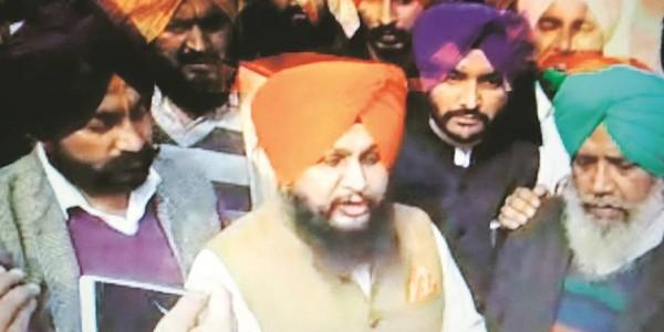 Suspended Congress MLA meets CM, seeks reinstatement