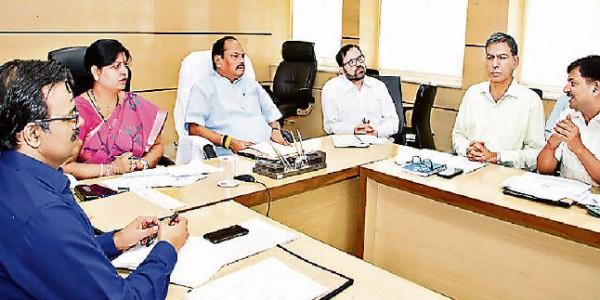 मुख्यमंत्री ने दिया निर्देश, स्थानीय भाषा के शिक्षकों की भी नियुक्ति करें