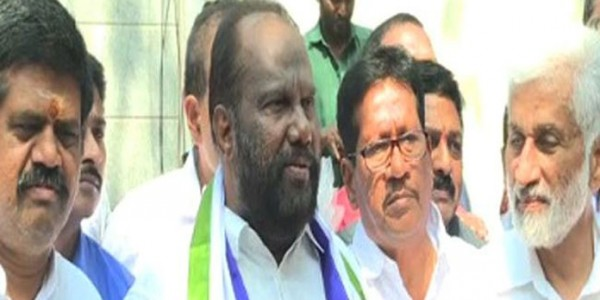 Andhra-Pradesh-TDP-MP-Ravindra-Babu-joins-YSRCP