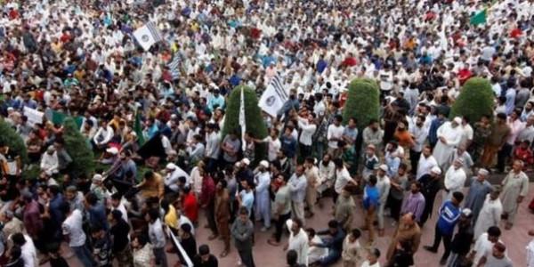 जम्मू-कश्मीर में स्पेशल पुलिस ऑफिसर्स के हथियार ज़ब्त किए जाने वाली खबर पर सरकार ने जवाब दिया है