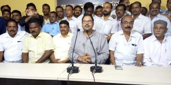 Anand Asnotikar calls Anantkumar Hegde a loafer