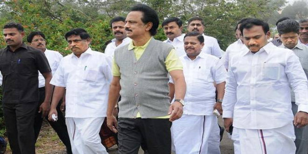 Ministers colluding with timber merchants, alleges DMK leader
