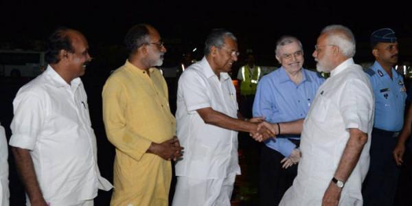 केरल में आफत की बारिश ने ली 324 लोगों की जान, हालात का जायजा लेने पहुंचे पीएम मोदी