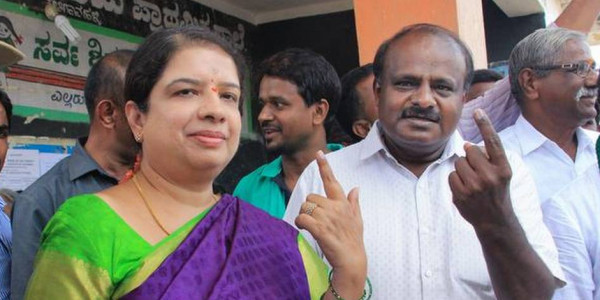 Karnataka CM, wife script history by entering Assembly together