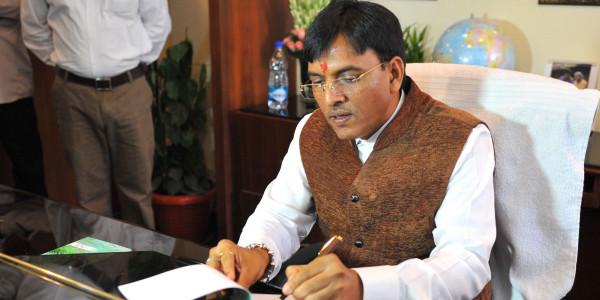 मैं गुजरात का मुख्यमंत्री बनने की दौड़ में नहीं: मंडाविया