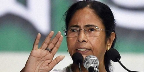 PM Modi Should Talk to Experts: Mamata Banerjee on Economy Crisis