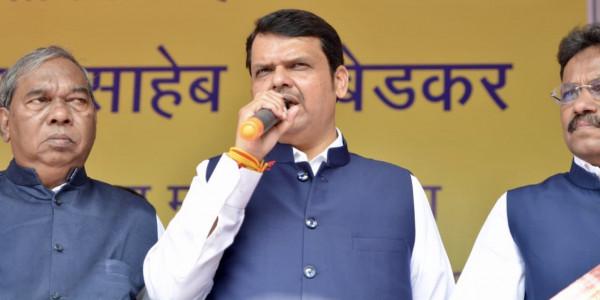 महाराष्ट्र की राजनीति में शरद पवार के खेल को नहीं समझ पाए फडणवीस!