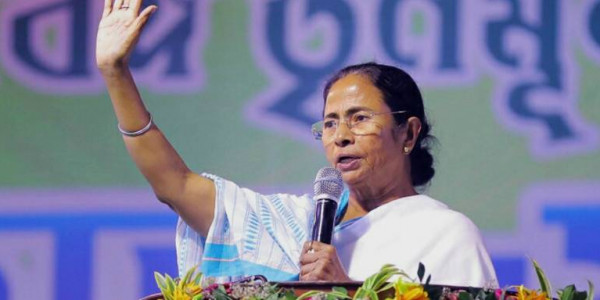 After Andhra Pradesh, Mamata Banerjee puts up 'no entry' sign for CBI in West Bengal