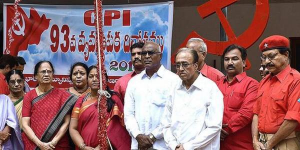 KCR trying to split anti-Modi vote: Suravaram