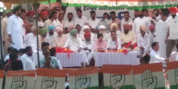 पूर्व सांसद चरणजीत सिंह रोडी कांग्रेस में शामिल