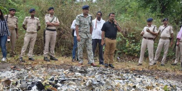 बिहार में नरकंकाल बरामद: CM नीतीश के पहुंचने से पहले जला दी गईं लावारिश लाशें