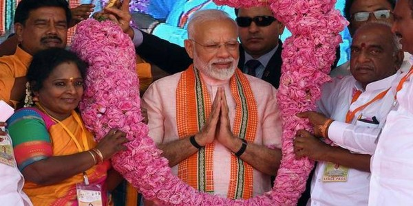 in-tn-modi-hits-out-at-critics-of-10-quota