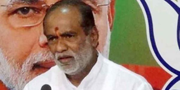 Telangana BJP president slams KCR for not making dalit as chief minister