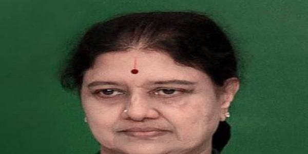 Sasikala on 'moun vrat,' seeks time to depose before IT department
