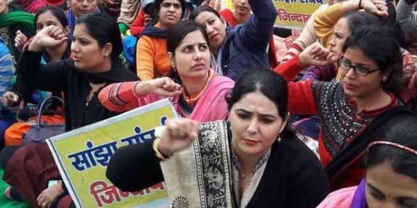 NHM कर्मचारियों पर मनोहर सरकार की सख्ती बेअसर, तीन दिन और बढ़ाई हड़ताल