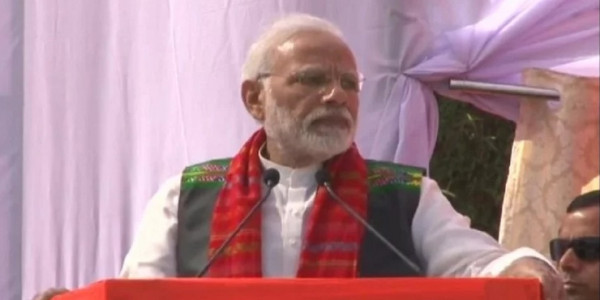 Narendra Modi Attacks Congress At BJP Rally
