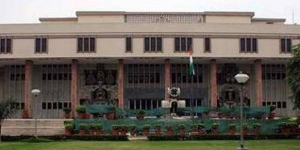 दिल्ली सरकार ने HC में खुद कबूला, सरकारी अस्पतालों के 52 वेंटिलेटर खराब