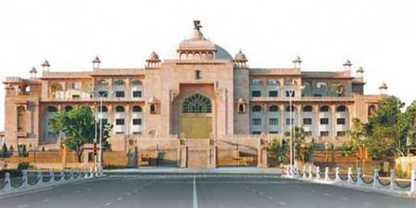 राजस्थान विधानसभा में बजरी खनन के मामले में हंगामा