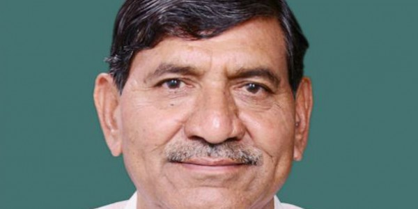 Now, BJP MP Mohan Kundariya threatens to shut mandli