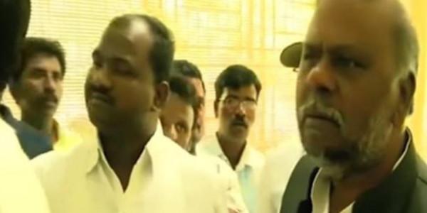 मंत्री को देर से मिली चाय तो दी गालियां, वीडियो में कैद हुई घटना