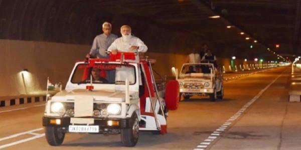 कश्मीर: देश की सबसे लंबी सुरंग पर उठने लगे सवाल