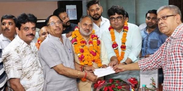 दिल्ली विधानसभा चुनाव से पहले एमसीडी में BJP का 'अनुभवी' दांव