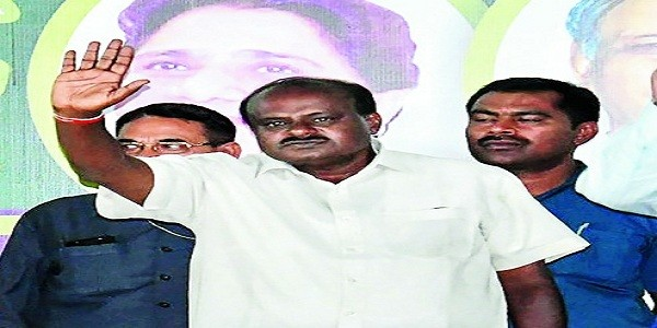 karnataka-congress-jds-alliance-in-danger-congress-in-touch-with-speaker