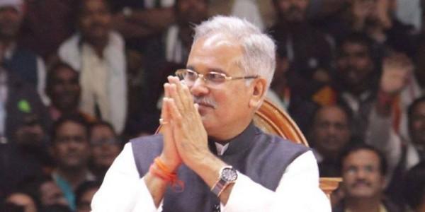 वित्त मंत्रियों की बैठक के लिए सीएम बघेल दिल्ली रवाना, राहुल गांधी से कई मुद्दों पर हो सकती है चर्चा