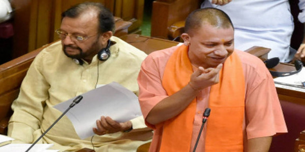 अब योगी आदित्यनाथ के मंत्री खुद भरेंगे अपना टैक्स