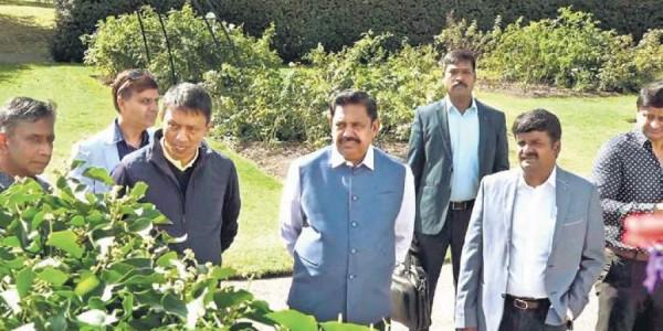 Tamil Nadu CM visits Royal Botanic Gardens in London