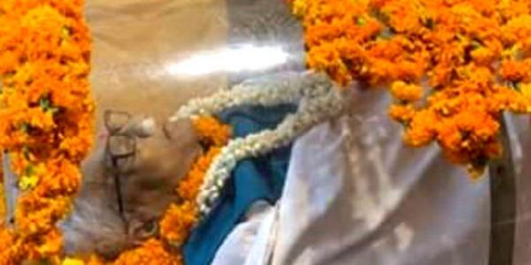 पटना पहुंचा पूर्व मुख्यमंत्री डॉ जगन्नाथ मिश्रा का पार्थिव शरीर, एयरपोर्ट पहुंचे कांग्रेस, बीजेपी और जेडीयू नेता