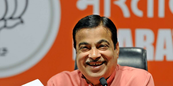 Will tell people to take law into their own hands if you don't do your work: Gadkari warns civil servants