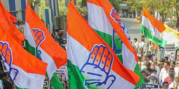 Gujarat Congress protests against exam cancellation