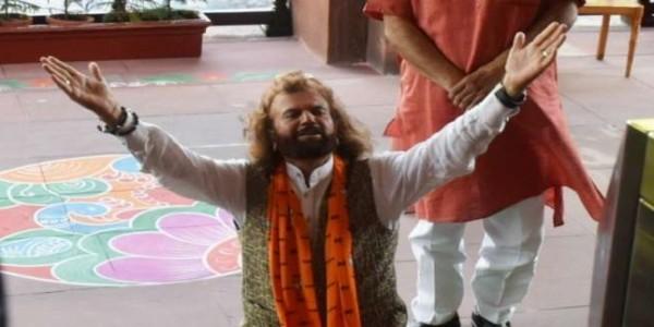 NDA संसदीय दल की बैठक में शामिल हुए दिल्ली के सभी सांसद, हंसराज हंस का ऐसा रहा अंदाज
