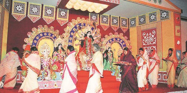BJP looks to enter Durga Puja committees to boost 'Bengali' image