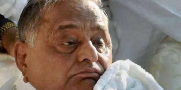 मुलायम सिंह यादव चार्टेड प्लेन से लाए गए दिल्ली, मेदांता के ICU में एडमिट
