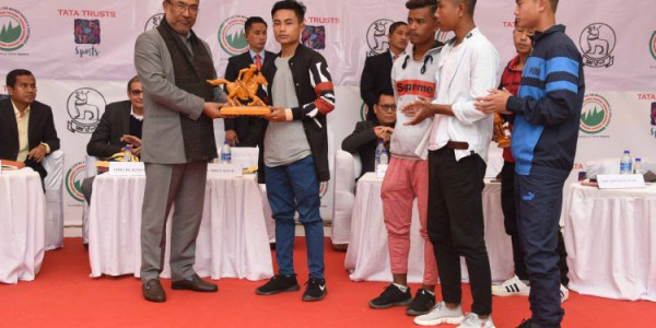 Manipur to come up with center of excellence for football, football schools