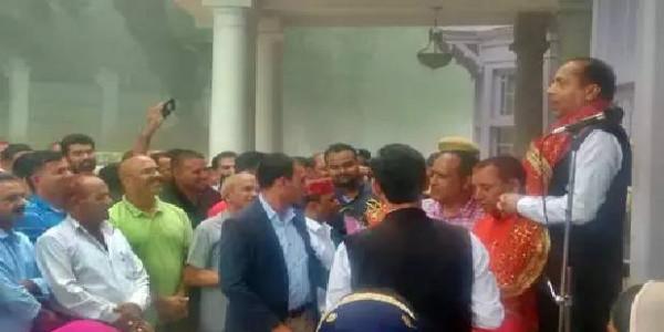 CM जयराम ठाकुर के सामने BJP विधायक ध्वाला के खिलाफ फूटी 'अपनों की ज्वाला'