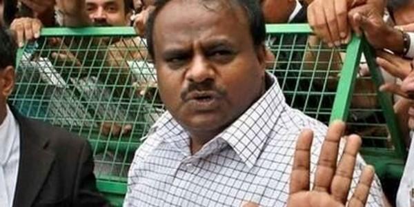 पीएम मोदी को वोट दोगे, काम के लिए यहां आओगे...सीएम कुमारस्वामी के बयान पर हंगामा