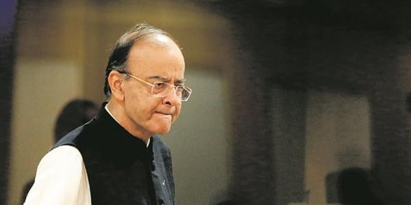 पुलवामा आतंकी हमला : भारत ने की पाक अर्थव्यवस्था पर चोट, 200 प्रतिशत बढ़ाया सीमा शुल्क