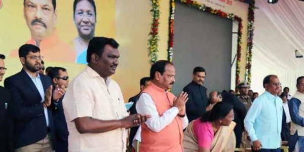 पूरा झारखंड ओडीएफ घोषित, 1100 करोड़ की योजनाओं का राज्यपाल और मुख्यमंत्री ने किया शिलान्यास