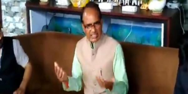 कांग्रेस प्रत्याशी कांतिलाल भूरिया के गांव में पूर्व मुख्यमंत्री शिवराज सिंह चौहान ने रात को डाला डेरा