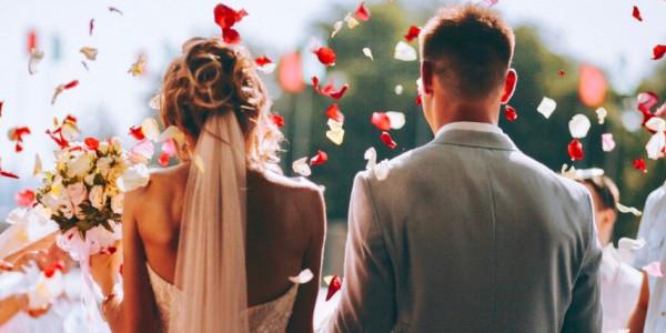शादी की उम्र समान करने की मांग वाली याचिका पर केंद्र सरकार को नोटिस